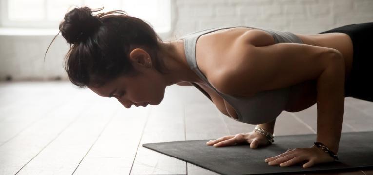 Flexao + joelho ao peito