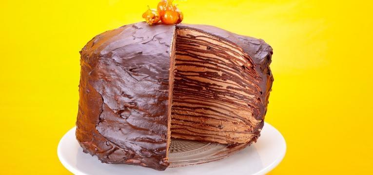 Bolo de crepes de chocolate