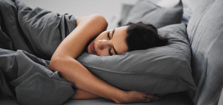 como disfarcar as olheiras e dormir bem