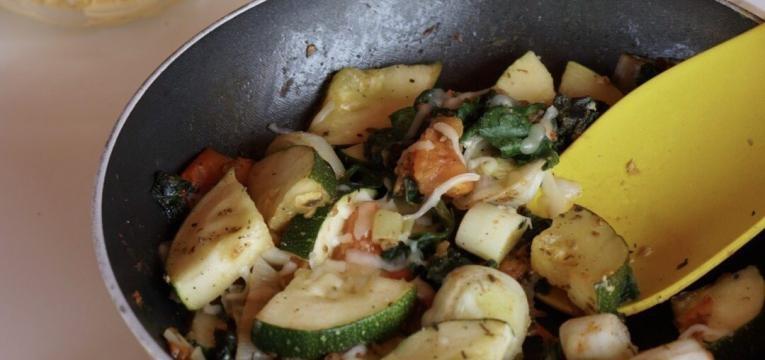 legumes salteados com mozzarella