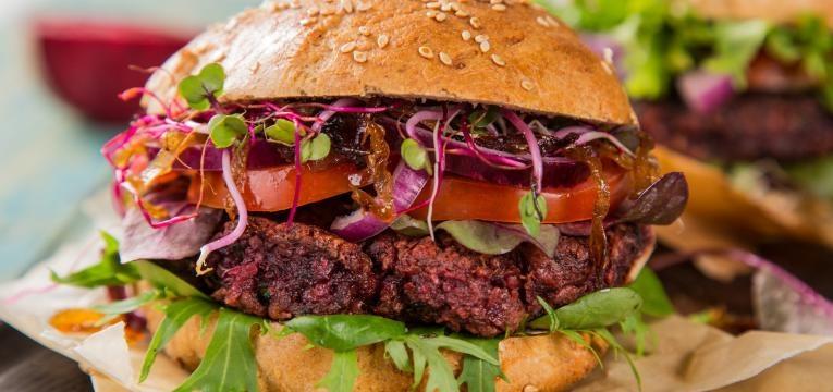 Hamburguer sem carne com lentilhas e beringela