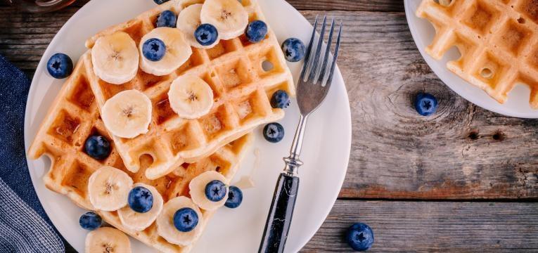 Waffles vegan com farinha de linhaca e banana