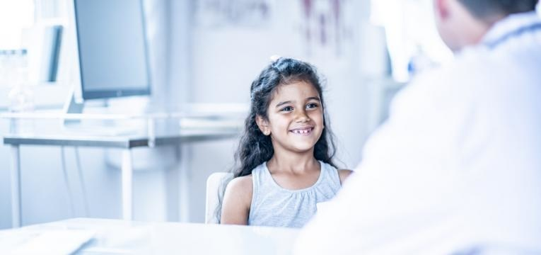crianca no medico