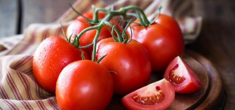 ramo de tomates