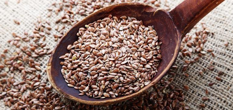 sementes de linhaca castanha