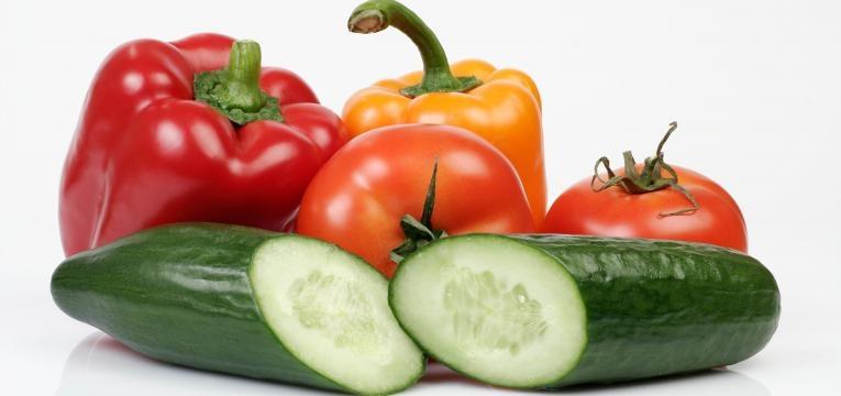 pepino e pimentos