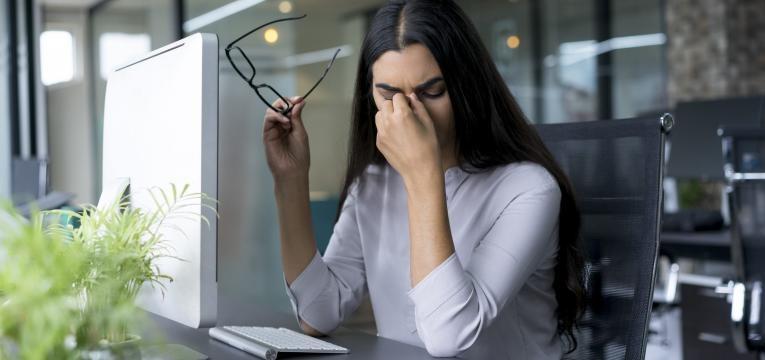mulher cansada crise de ansiedade