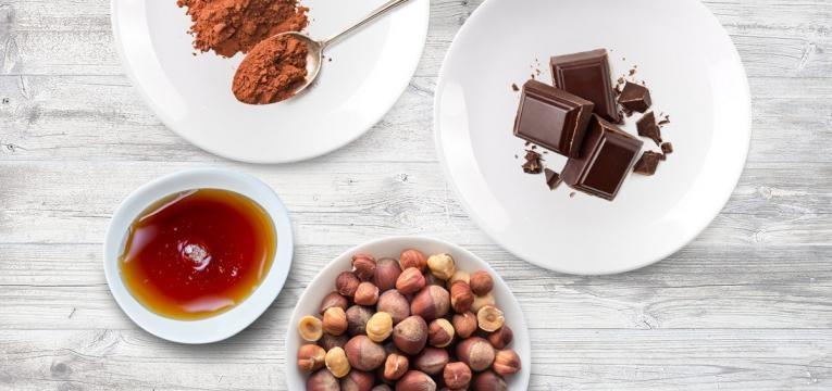 Receitas para um natal fit Bombons vegan de chocolate e avela