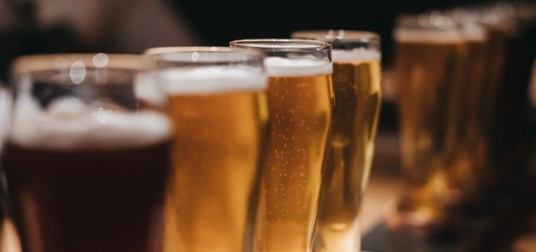 alimentos que aumentam o acido urico cervejas no copo