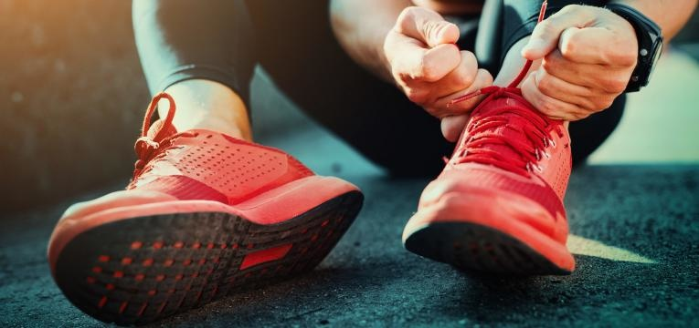 sapatilhas vermelhas para correr