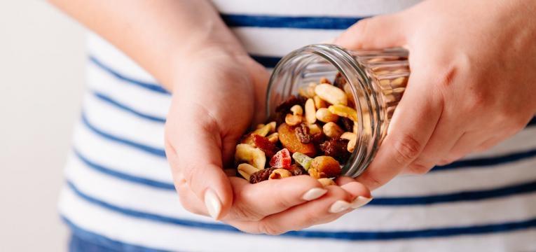 cortar 500 calorias porcao de frutos secos