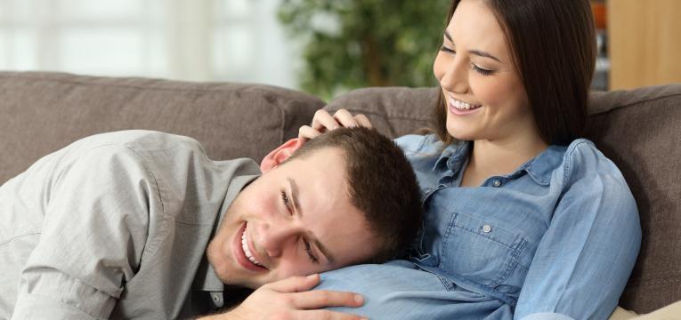 o papel do pai durante a gravidez pai a sentir bebe