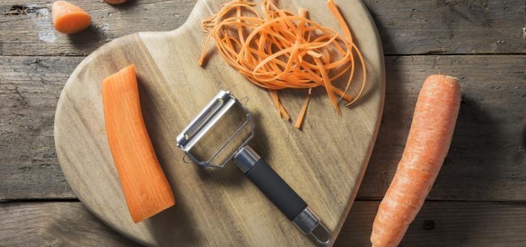 poupar tempo na cozinha descascador de cenoura