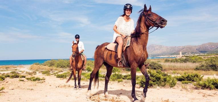programas para um dia dos namorados passeio a cavalo