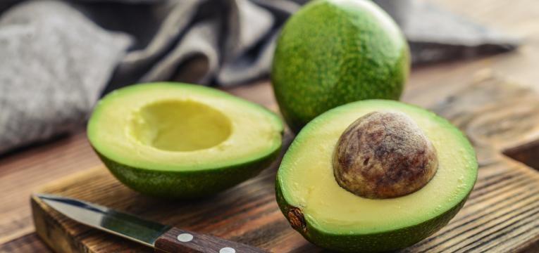 alimentos para a memoria abacate