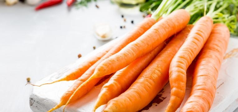 alimentos humanos que os gatos podem comer cenouras