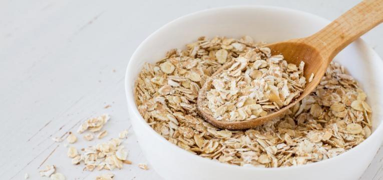 alimentos anabolicos tigela de aveia