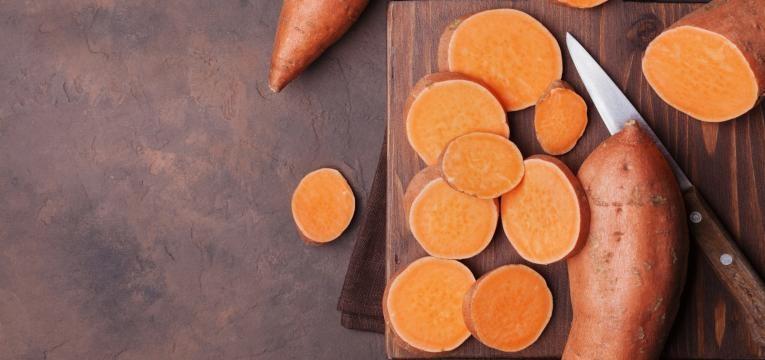 alimentos para a memoria batata doce em rodelas