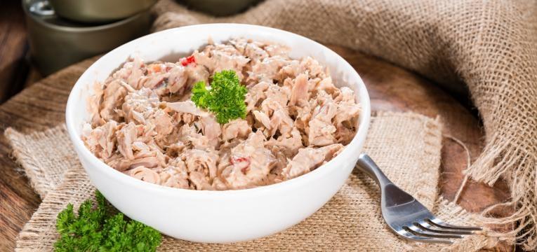 alimentos anabolicos tigela com atum
