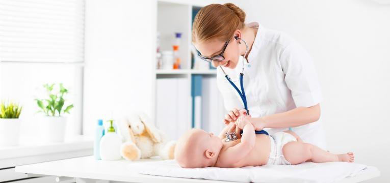como estimular um bebe de 1 mes pediatra e bebe