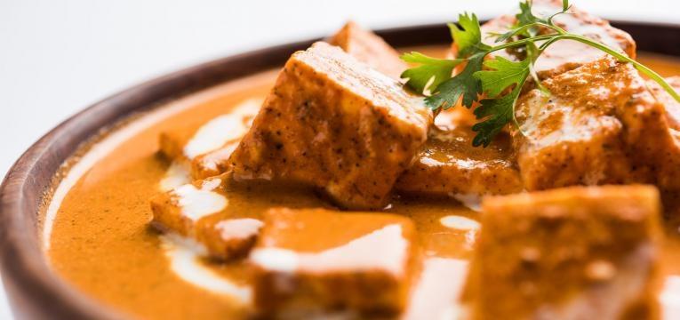 Caril vegetariano com tofu