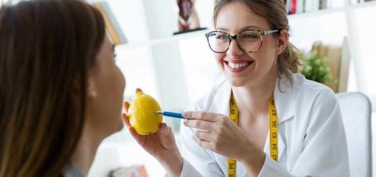 dicas para desinchar nutricionista e paciente