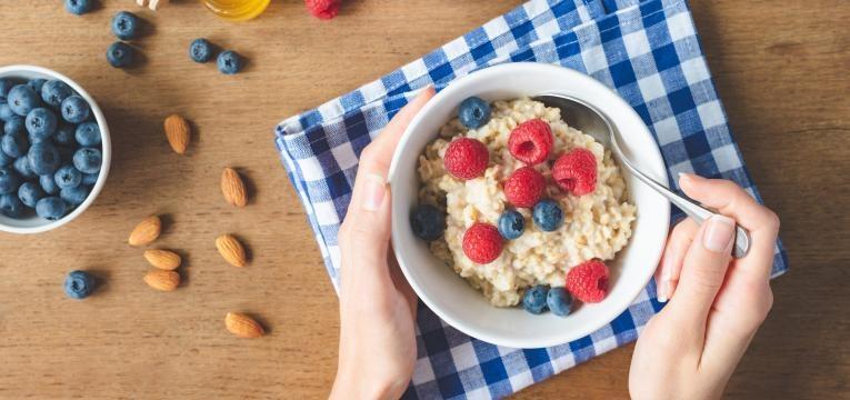 dieta dash aveia com frutos vermelhos