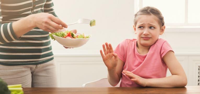 neofobia alimentar menina nao quer legumes