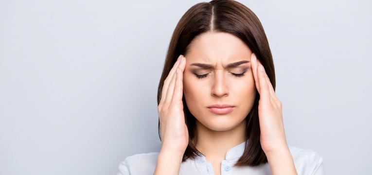 sal em excesso dor de cabeca