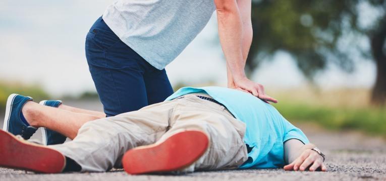 primeiros socorros em caso de enfarte salvar uma vida