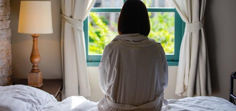 baixa medica por cansaco mulher em casa