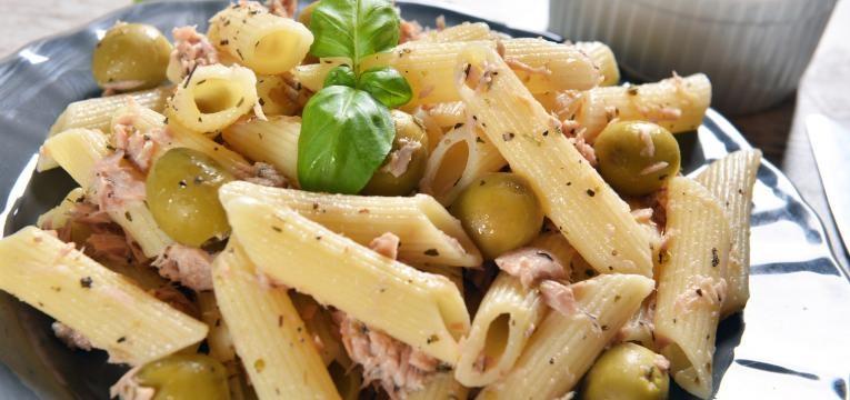 Pratos de massa Salada fria de massa com atum