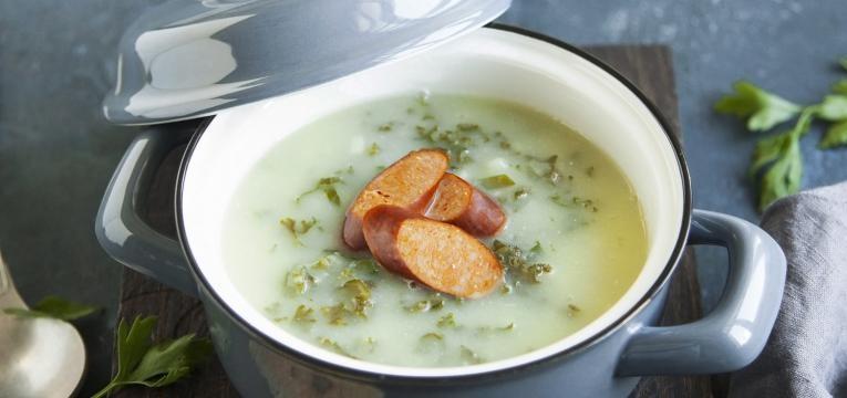 Caldo verde com bacon