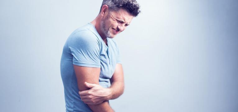 enfarte cerebral dor no braco