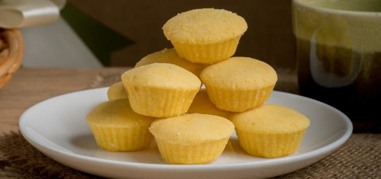 Bolos sem farinha de trigo de ananas