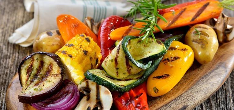 Receitas vegetarianas no forno Legumes mediterranicos no forno