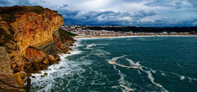 melhores praias para surfar em Portugal praia do norte
