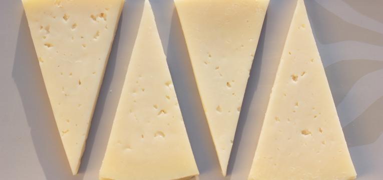 tipos de queijo queijo de vaca curada