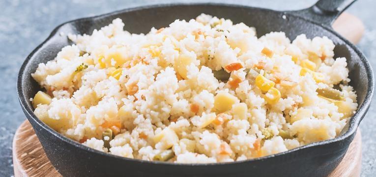 saladas com menos de 300 kcal salada de cuscuz frango e ananas