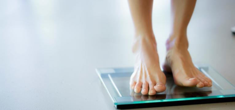 perder massa gorda pesar numa balanca