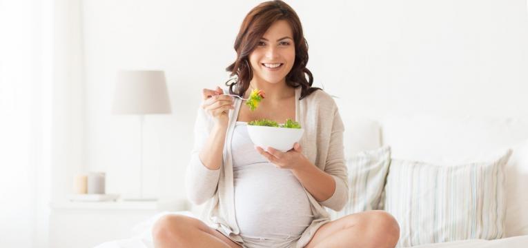 alimentacao no terceiro trimestre de gravidez gravida a comer saudavel