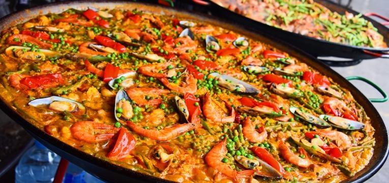 Como fazer paella valenciana
