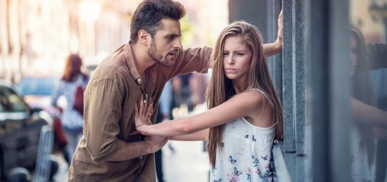 gaslighting homem a ser violento