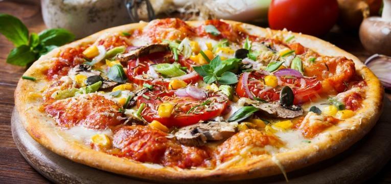 Pizza na Bimby com massa integral