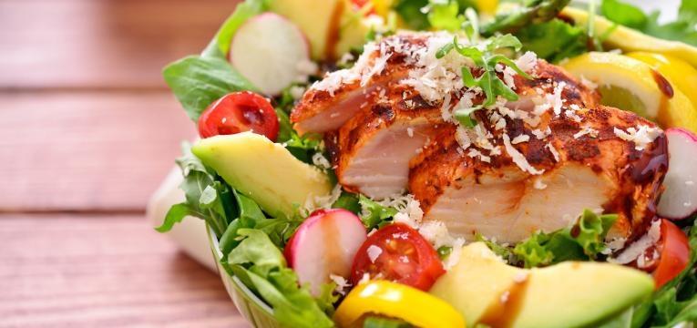 receitas para o dia da mae salada de frango com abacate