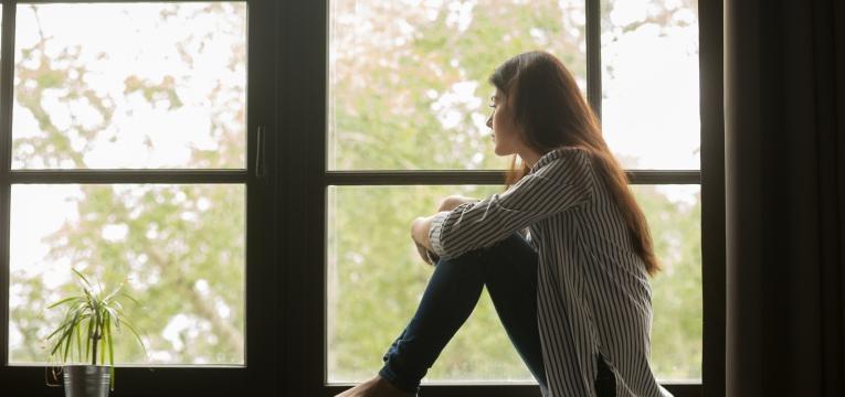 stress no trabalho mulher com ansiedade