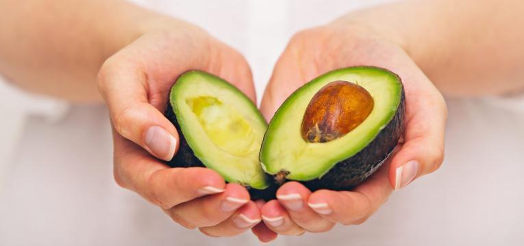 aumentar o tempo de vida do abacate abacate em metades