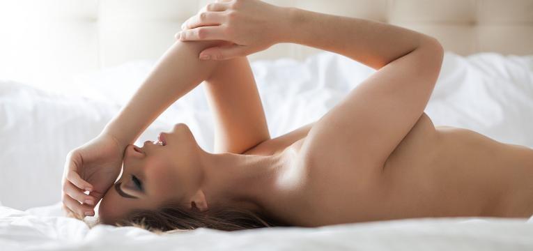 pompoarismo mulher na cama