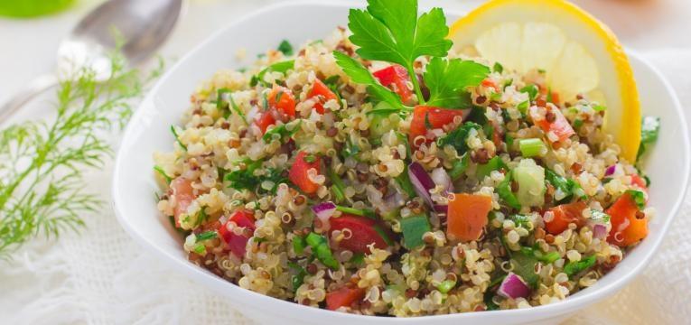 ementa vegetariana tabule de quinoa