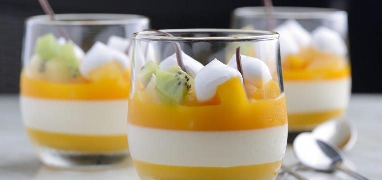mousse de manga com iogurte